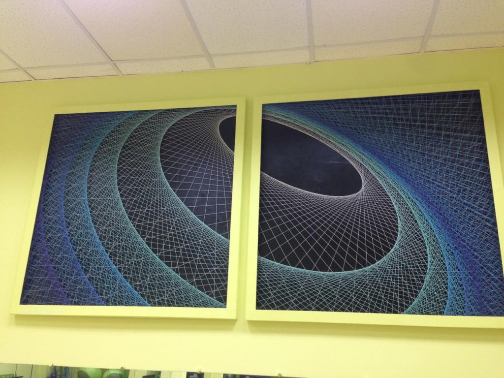 Стоунография. Панно из 1500 метров нитей, сторона каждого квадрата 125 см, толщина 6см.